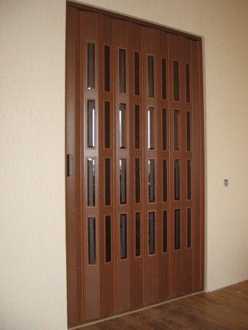 Дверь гармошка