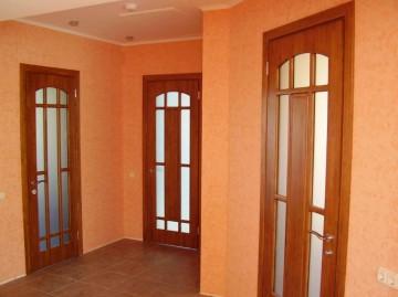 Двери в три комнаты