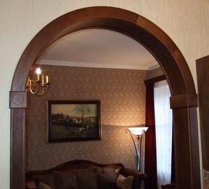 Классическая арка в комнате