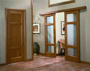 Распашная и раздвижная двери в комнаты