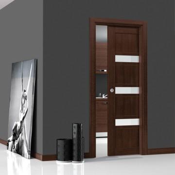 Раздвижная дверь со стеклянными вставками