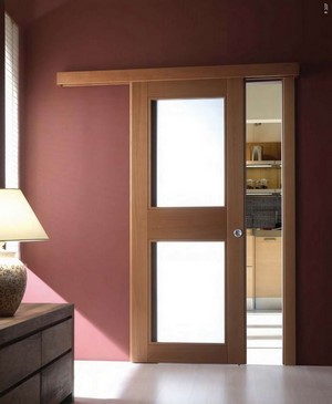 Раздвижная дверь со вставками