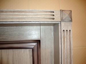 Состаренный косяк двери