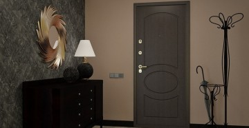 Стильный коридор с серой дверью