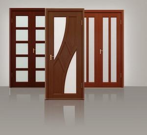 Три двери со стеклянными вставками