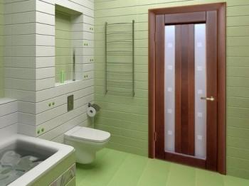 Деревянная дверь в ванной