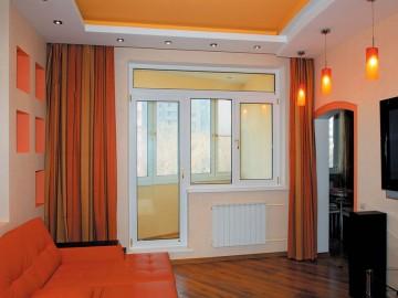 Дверь на балкон из зала
