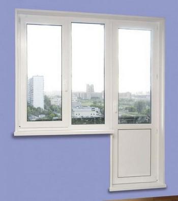 Пластиковое окно и дверь на балкон