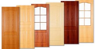 Шесть деревянных дверей