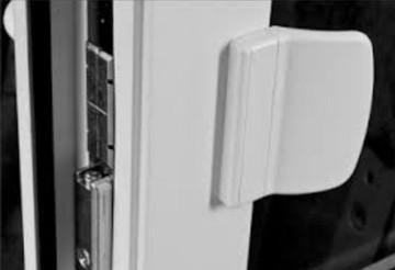 Защелка на балконную дверь