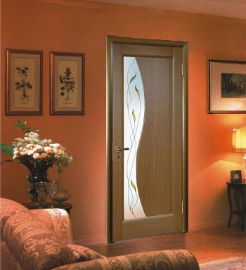 Дверь в гостиной