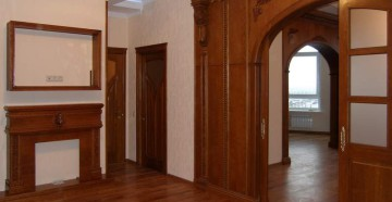 Широкая деревянная арка