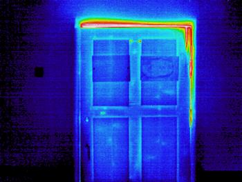 Уплотнитель для входной двери самоклеющийся