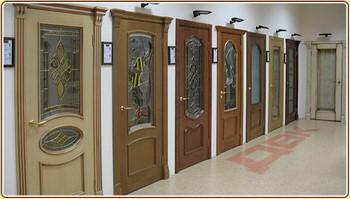 Ассортимент деревянных александрийских дверей