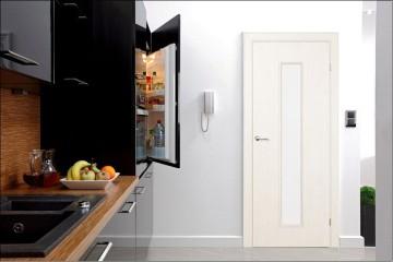 Стильная белая дверь со стеклом
