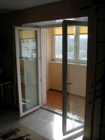 Двойные балконные двери