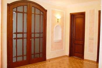 Распашные широкие двери