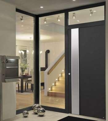 Классная входная дверь