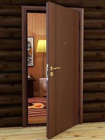 Открытая входная дверь