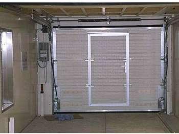 Подъемные ворота гаража