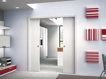 Белые двойные двери пенал