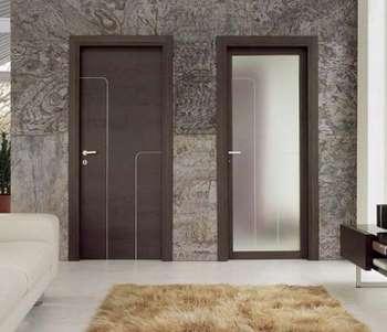 Две двери в комнате