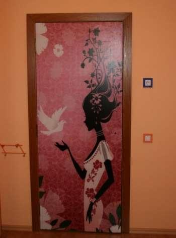 Красивый рисунок на входной двери
