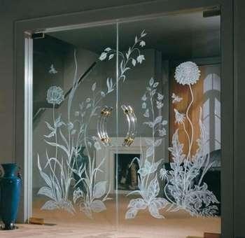Распашные зеркальные двери с рисунком