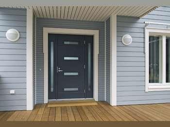 Наружная дверь в коттедж