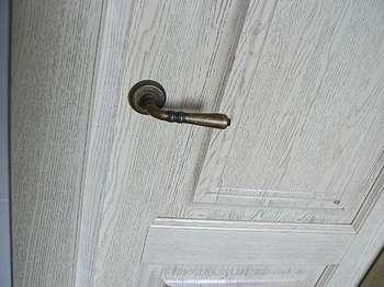 Дверь белёный дуб