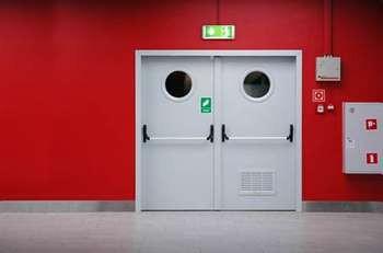 Противопожарные двери на производстве