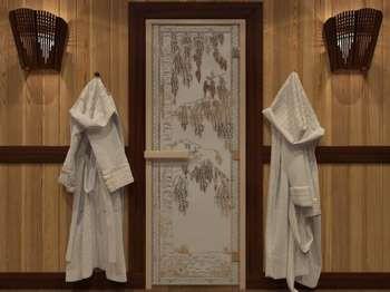 Стеклянная дверь с рисунком в бане