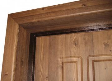 Угол двери с откосом и наличником