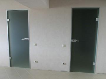 Сдвижные, откатные межкомнатные стеклянные двери