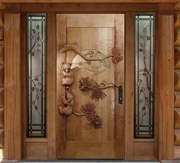 Входные деревянные двери с мишками