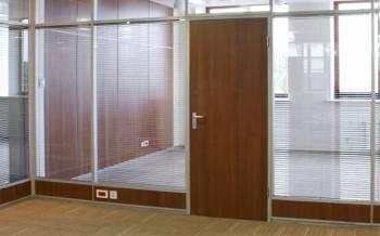 Офисные двери под дерево