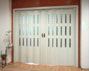 Белые двери гармошка