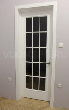 Межкомнатная дверь с английской решеткой