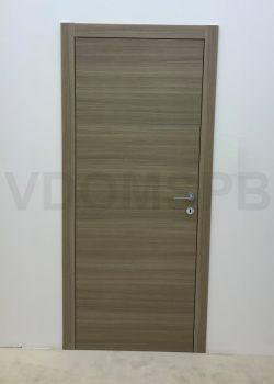 Дверь с пленочной отделкой в современном лаконичном дизайне